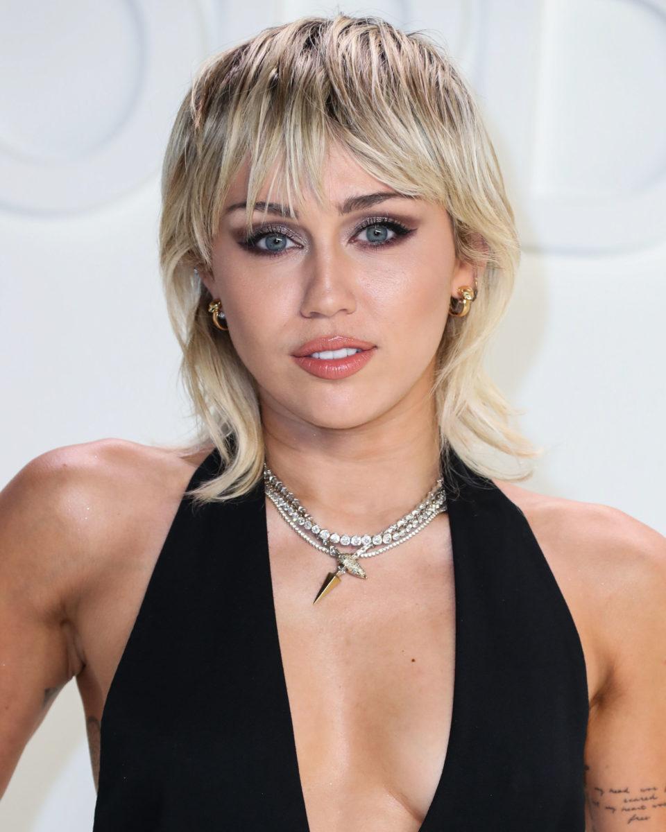 Από το mullet στο… pullet! Ποιο είναι το νέο κούρεμα που έκανε η Miley Cyrus! | tlife.gr
