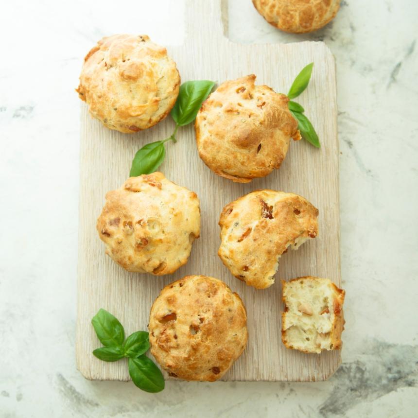 Συνταγή για αλμυρά muffins με τυρί και ζαμπόν