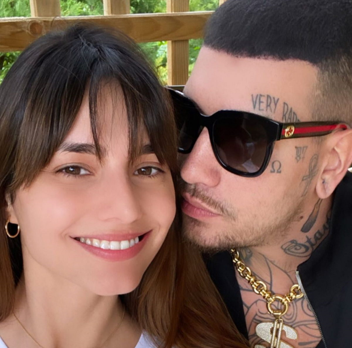 Ηλιάνα Παπαγεωργίου – Snik: Τα τρυφερά φιλιά τους μπροστά από τη κάμερα, στις 5 τα ξημερώματα! Video   tlife.gr