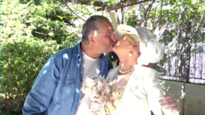 Μαρία Ιωαννίδου: Ντύθηκε νύφη και έκανε διαδικτυακό γάμο εν μέσω καραντίνας!