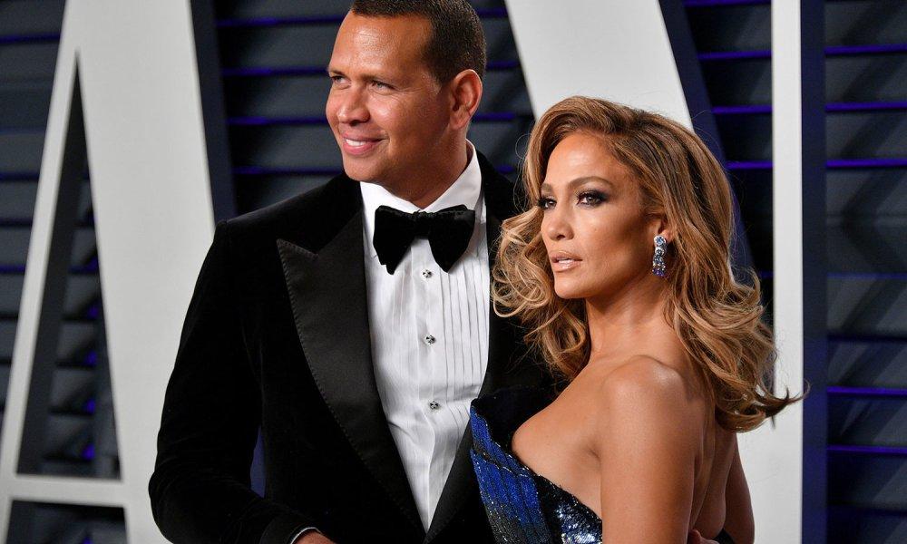 Jennifer Lopez: Απογοητευμένη για την αναβολή του γάμου της! Video