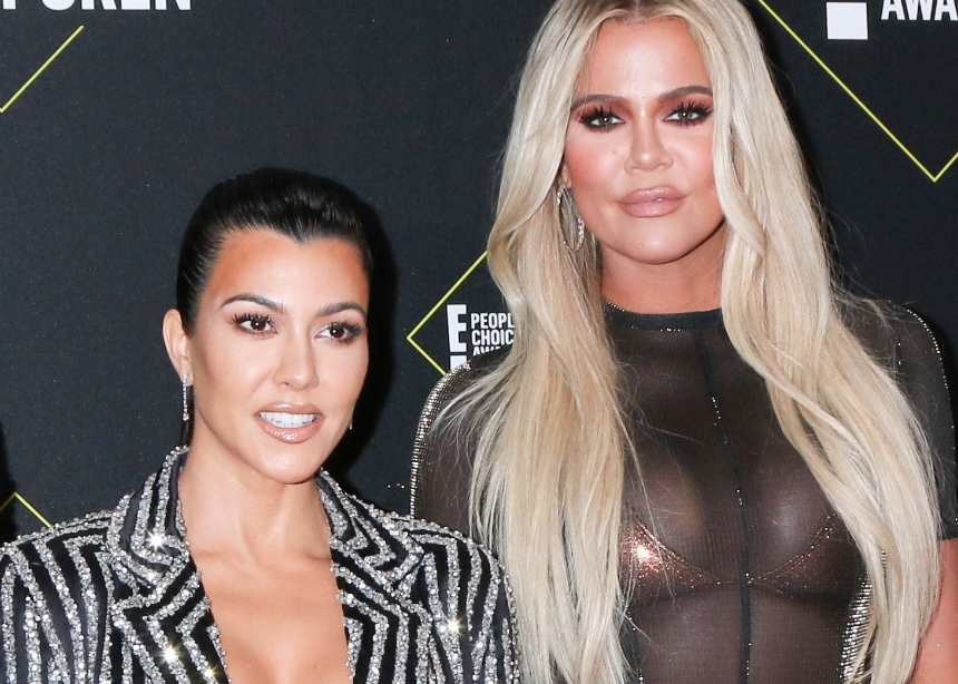 Η Khloe και η Kourtney Kardashian εξομολογήθηκαν ότι δεν λούζονται συχνά τελευταία. Μήπως το έκανες κι εσύ; | tlife.gr