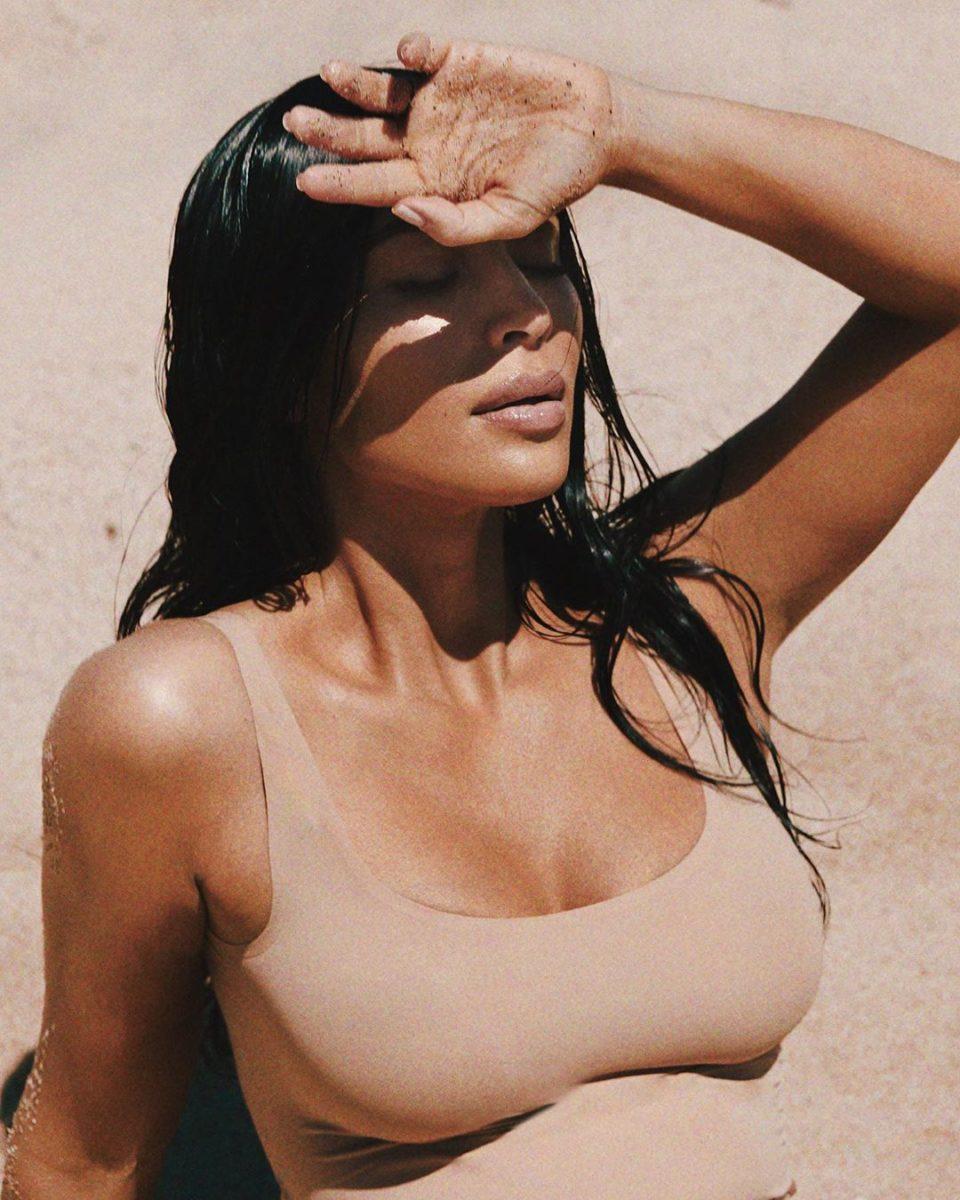 Αναρωτιέσαι κι εσύ πώς θα ανανεώσεις το αντηλιακό σου πάνω από το makeup; Η Kim Kardashian μας δείχνει! | tlife.gr