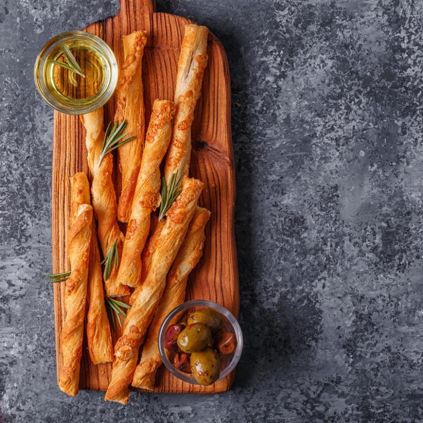 Συνταγή για τραγανά κριτσίνια με τυρί