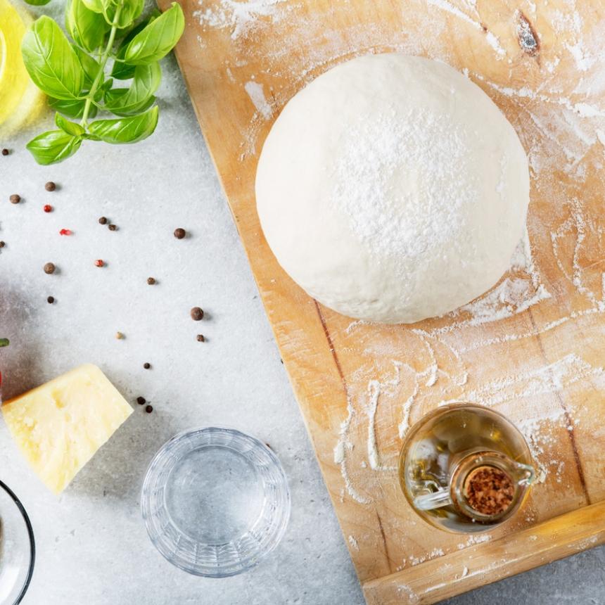 Συνταγή: Ζύμη για πίτσα με 5 υλικά