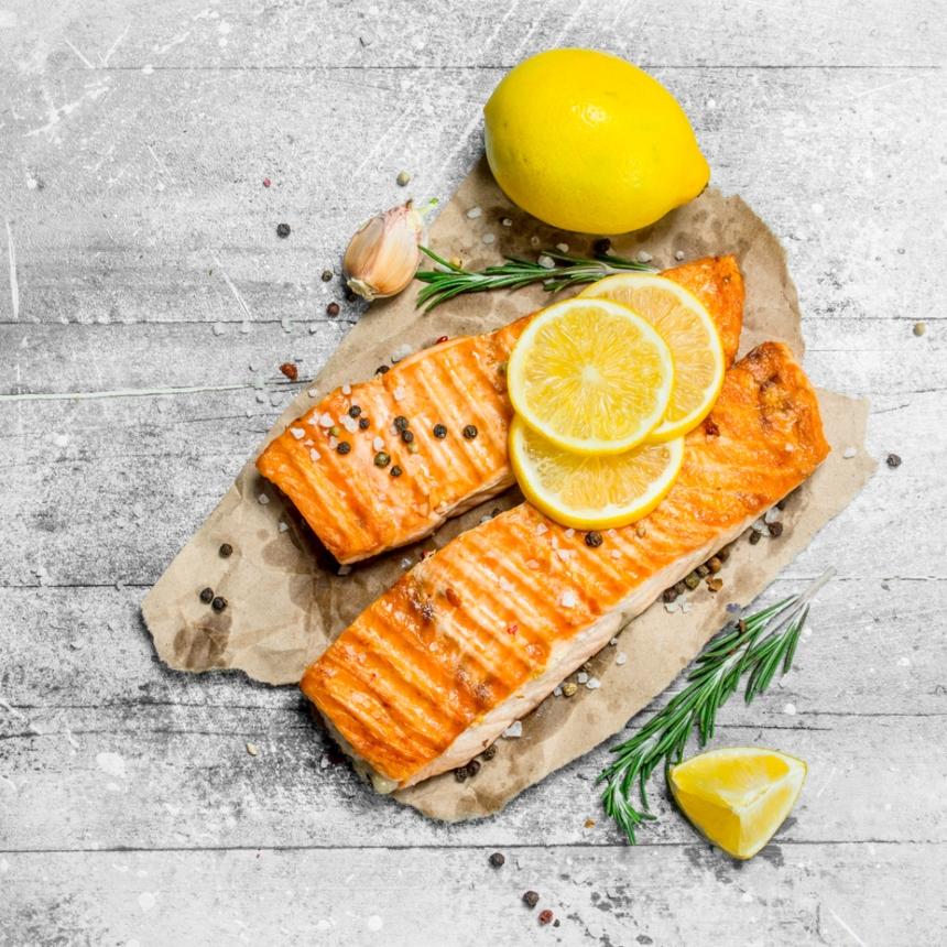 Συνταγή για ψητό σολομό με σάλτσα λεμονιού