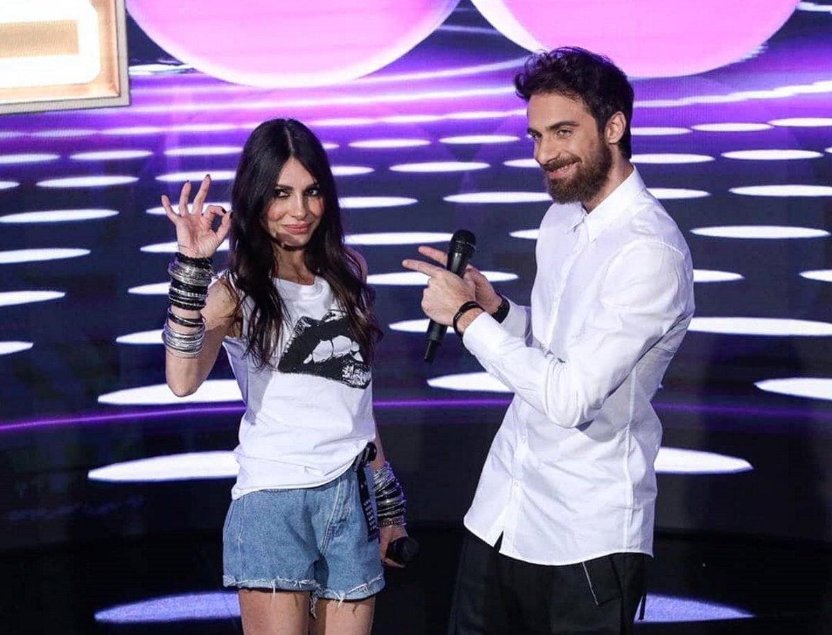 J2US: Ποια τραγουδίστρια θα αντικαταστήσει την Άσπα Τσίνα, στο πλευρό του Μάριου Πρίαμου; Video   tlife.gr