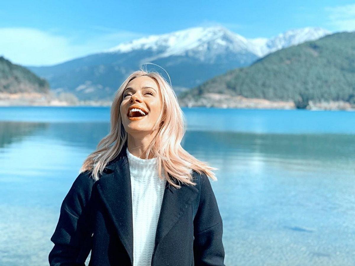 Ζέτα Μακρυπούλια: Ανοιξιάτικη απόδραση στα βουνά με τους φίλους της! Φωτογραφίες | tlife.gr