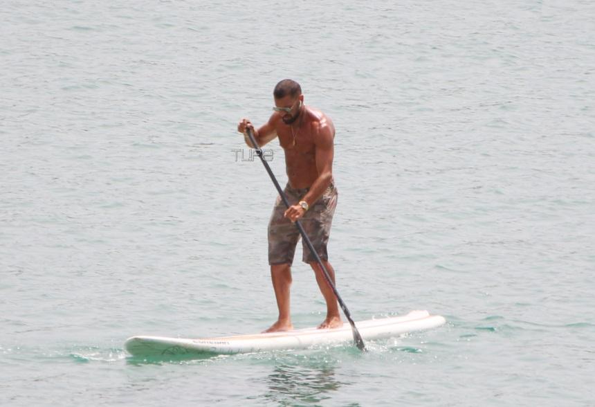 Γιάννης Μαρακάκης: Κάνει water sports στην Βουλιαγμένη και αναστατώνει τον γυναικείο πληθυσμό! [pics] | tlife.gr