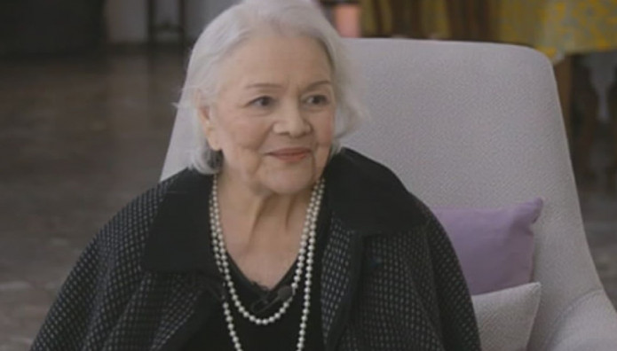 """Μαίρη Λίντα: Ραγίζουν καρδιές τα λόγια της μέσα από το Γηροκομείο – """"Δεν μπορώ να δω ούτε την κόρη μου"""""""
