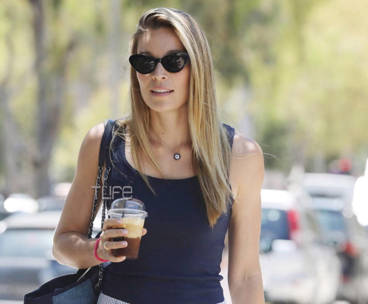 Μαριέττα Χρουσαλά: Βόλτες και ψώνια στην Γλυφάδα με καλοκαιρινό στυλ! Φωτογραφίες | tlife.gr