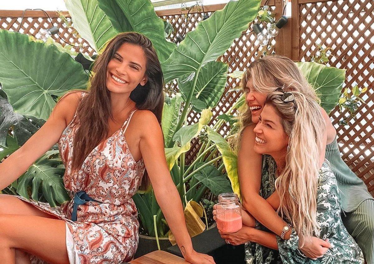 Χριστίνα Μπόμπα: Για brunch με τις κολλητές της στο μπαλκόνι του σπιτιού της! [pics, vids]   tlife.gr
