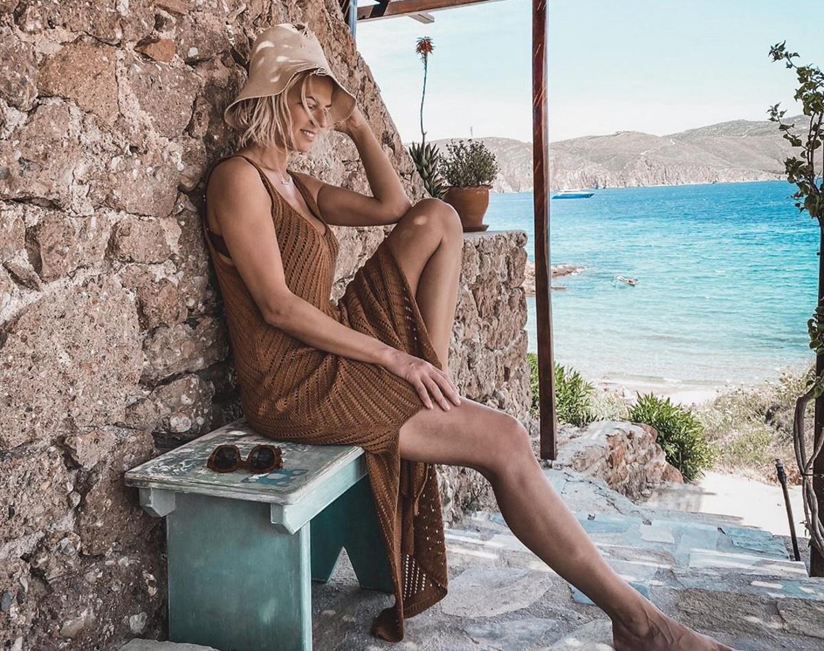Χριστίνα Κοντοβά: Το καλοκαίρι της ξεκίνησε από το… Νησί των Ανέμων! Φωτογραφίες