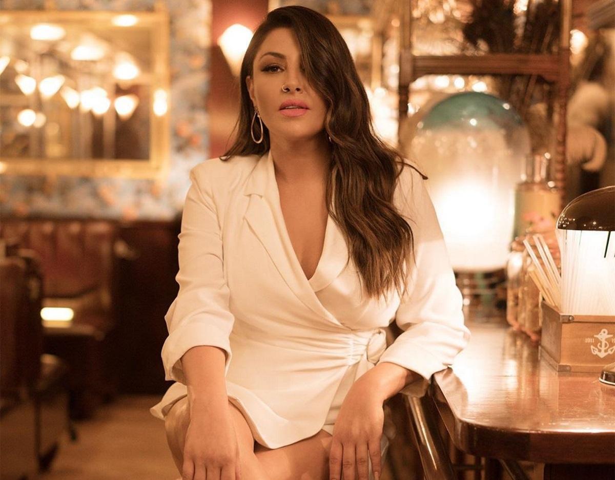"""""""Η πιο κακοντυμένη τραγουδίστρια είναι η Έλενα Παπαρίζου"""""""