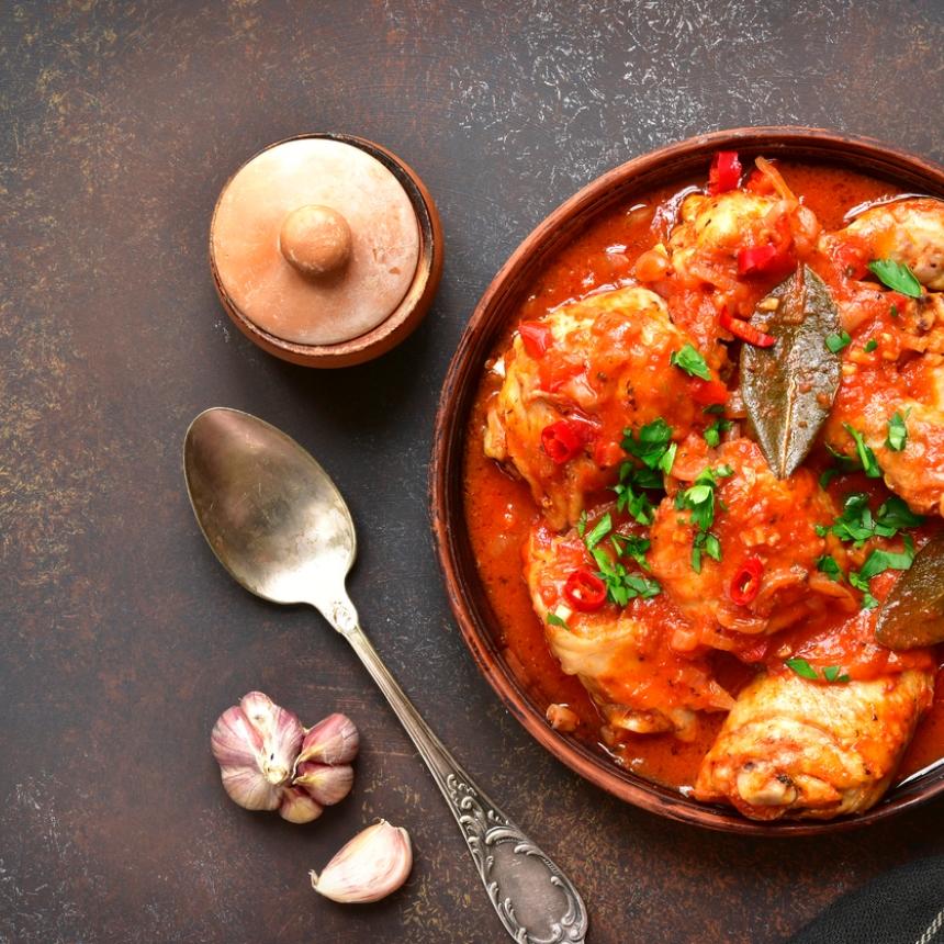 Συνταγή για νόστιμο κοκκινιστό κοτόπουλο