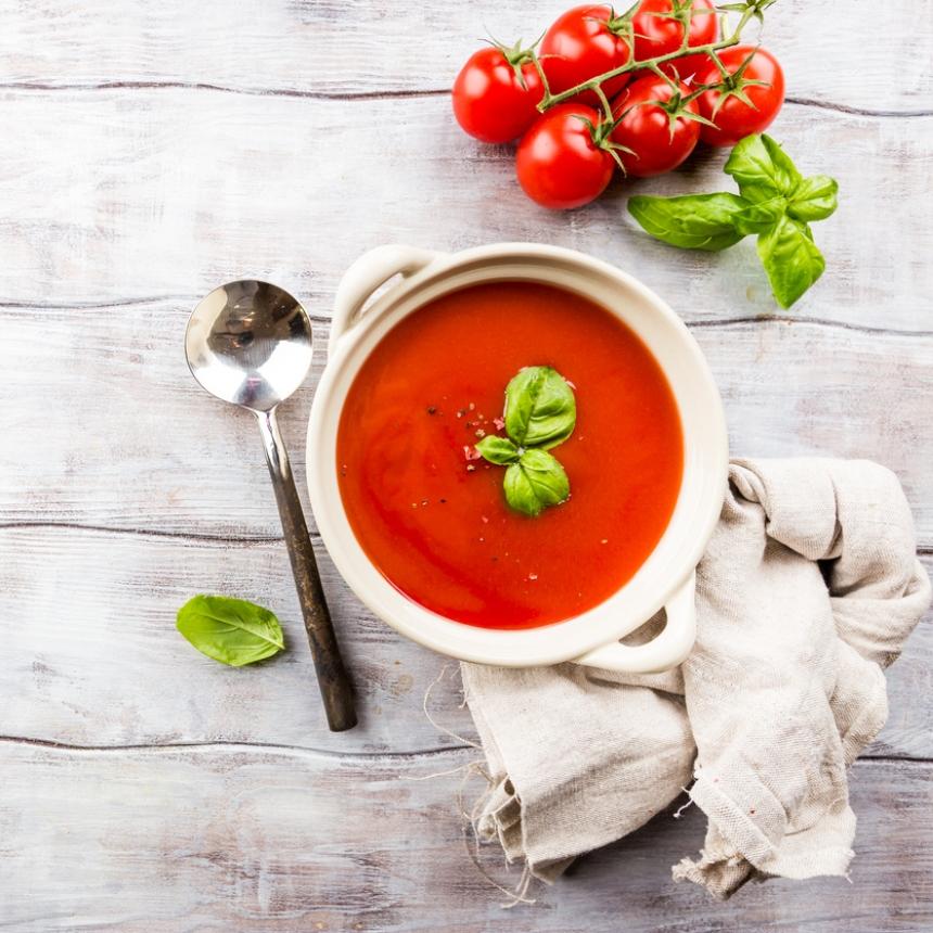 Συνταγή για κρύα καλοκαιρινή ντοματόσουπα