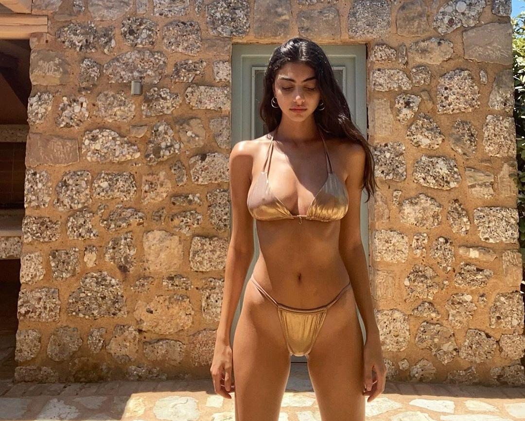 Eιρήνη Καζαριάν: Διακοπές για τη νικήτρια του GNTM1 με αποκαλυπτικό χρυσό μαγιό! [pics] | tlife.gr