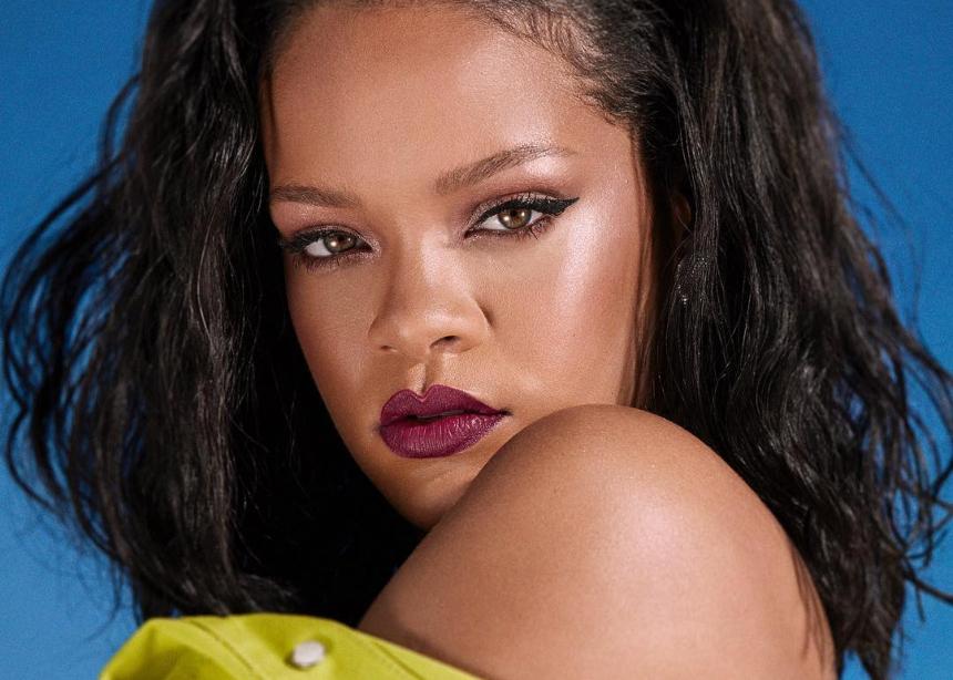 Η Rihanna ποζάρει για την νέα της συλλογή πιο sexy από ποτέ!