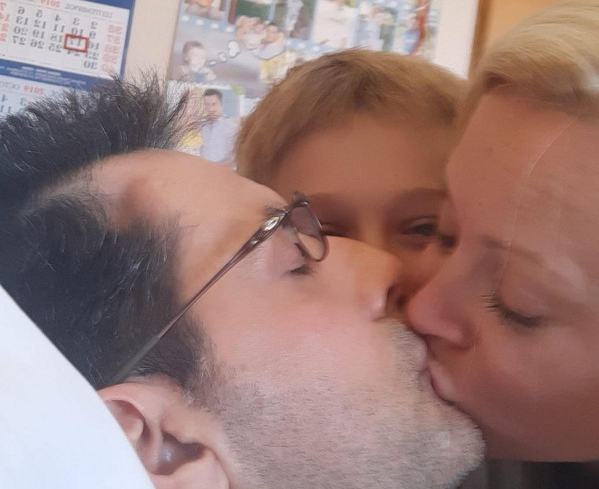 Κωνσταντίνος Αγγελίδης: Η σύζυγός του χαμογελά ξάνα! Η φωτογραφία της με τον Κωνσταντίνο