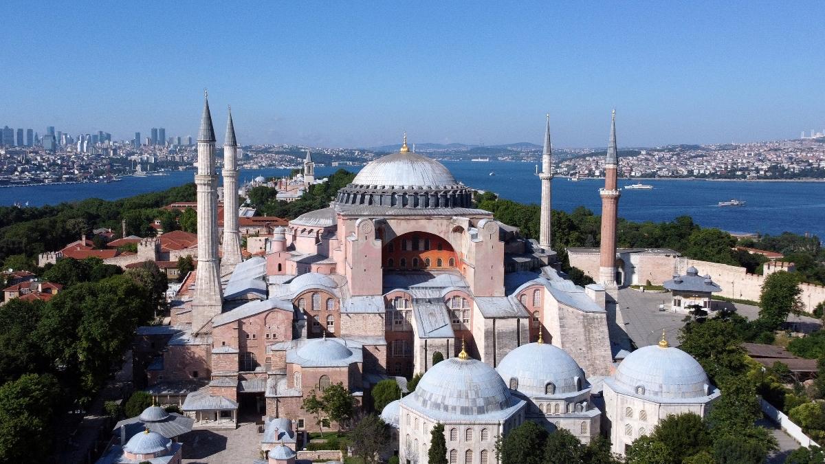 Αγιά Σοφιά: Με εντολή Ερντογάν ανοιχτή 24 ώρες το 24ωρο!