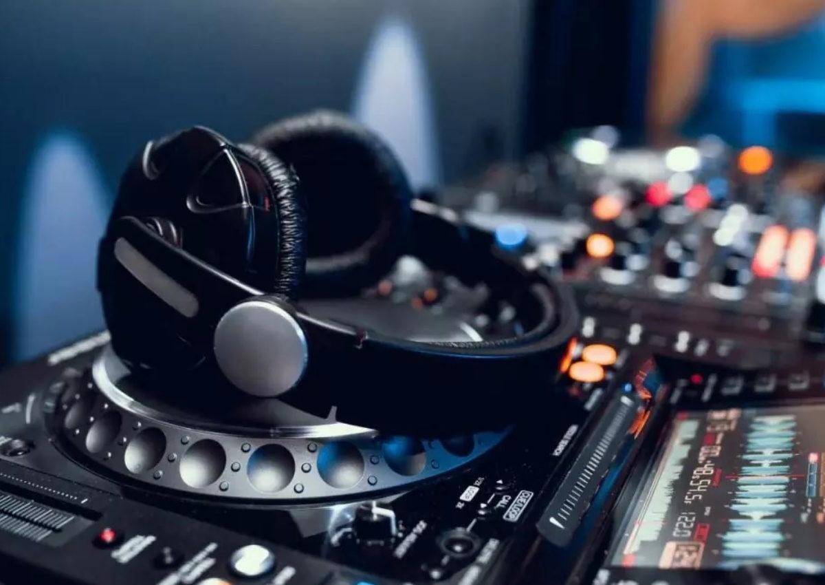 «Έριξαν» τον λογαριασμό πασίγνωστου DJ στο Instagram! | tlife.gr