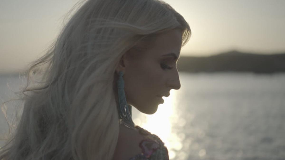 Ελένη Γρίβα: Κυκλοφόρησε το πρώτο της τραγούδι με την υπογραφή του Βασίλη Δήμα!