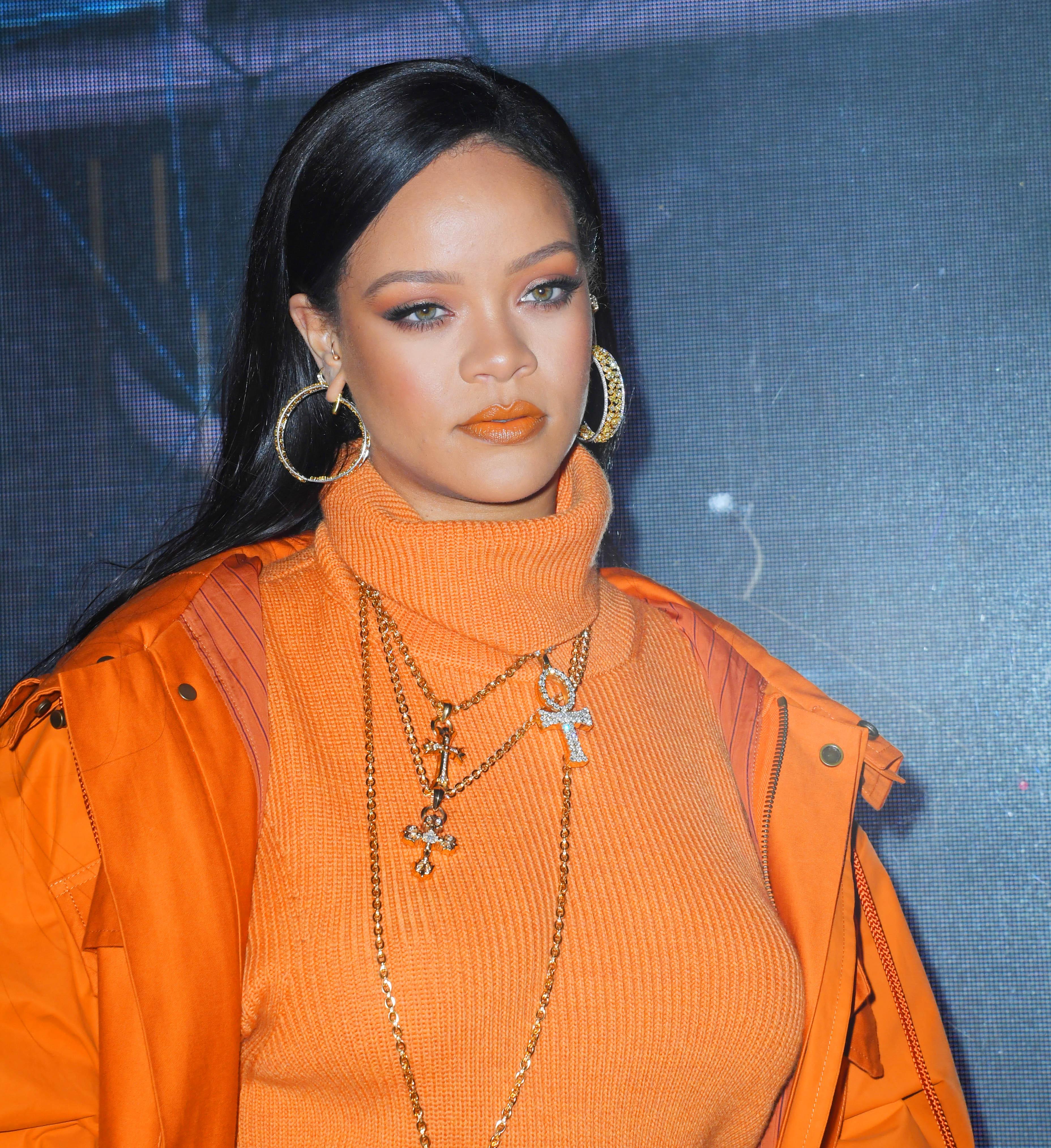 Στα Fenty Skin ανέβηκε μόλις το πρώτο post με την Rihanna! Να τι πρέπει να ξέρεις!