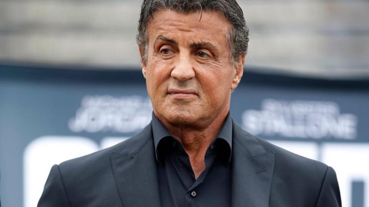 """Χαμός με το σχόλιο του Stallone – """"Ο Ράμπο δε θα φορούσε μάσκα"""""""