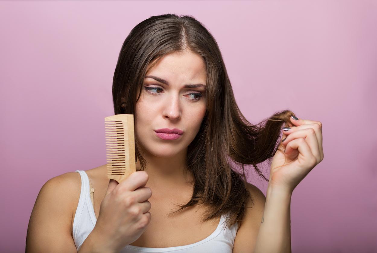 Αδύναμα μαλλιά: Που οφείλονται και τι μπορείτε να κάνετε για να τα δυναμώσετε