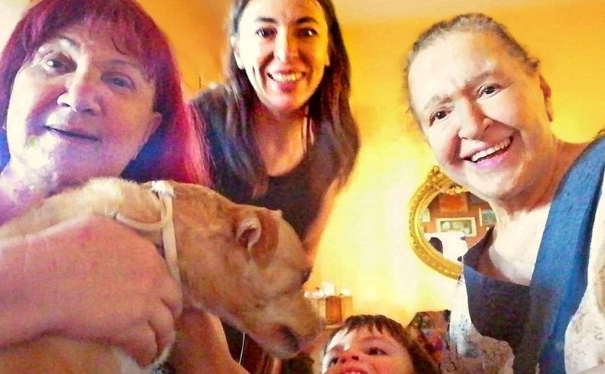 Μάρθα Καραγιάννη: Ξέγνοιαστες στιγμές με την Αλίκη Κατσαβού και τον Φοίβο μετά τα δύσκολα [pics]