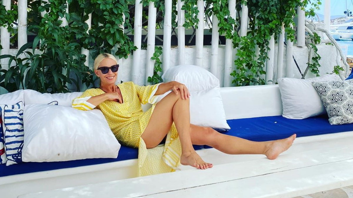 Η Μαρία Μπακοδήμου μόνο με το μαγιό της: Δες το καλλίγραμμο σώμα που διαθέτει στα 55 της χρόνια! | tlife.gr