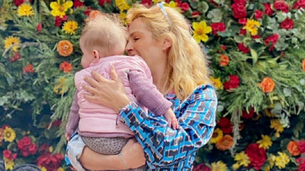 Γενέθλια για την Τζένη Μπότση: Έσβησε τα κεράκια της έχοντας δίπλα της την 8 μηνών κορούλα της!