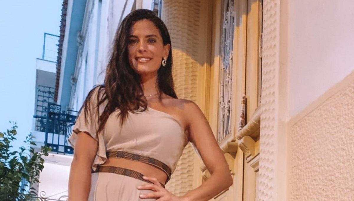 Χριστίνα Μπόμπα: Η chic εμφάνισή της σε βραδινή έξοδο στην Αθήνα! [pics,vid]