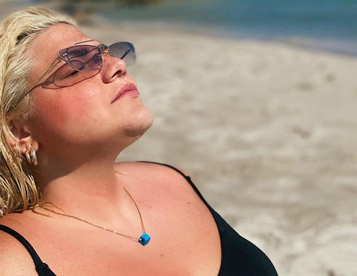 Δανάη Μπάρκα: Ποζάρει με τον σύντροφό της και είναι ευτυχισμένη!   tlife.gr