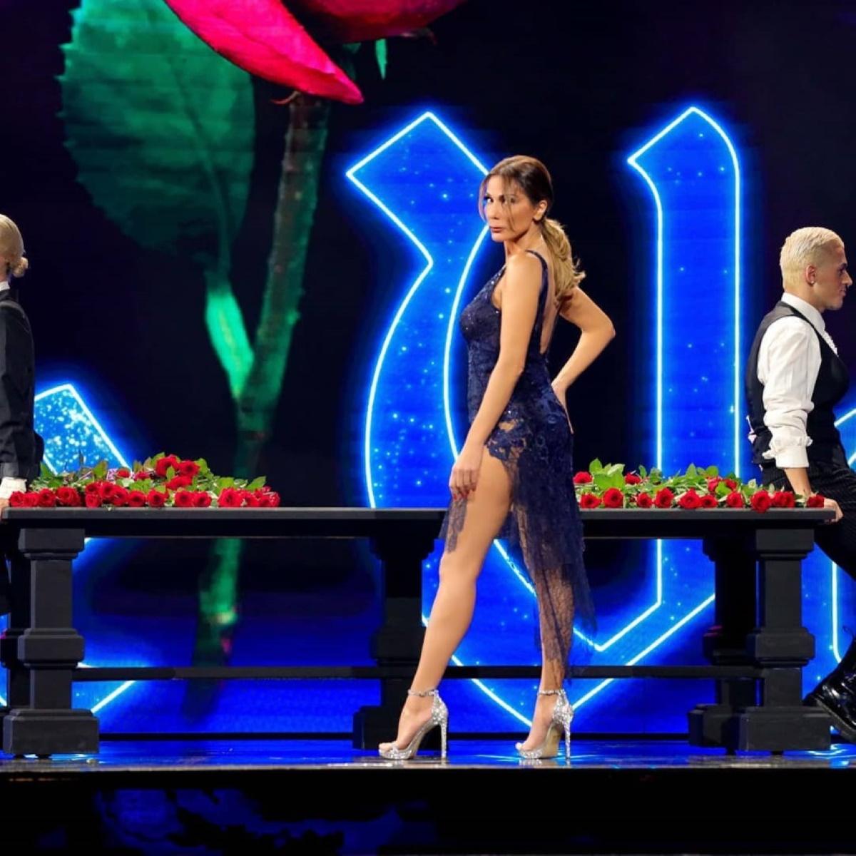Δέσποινα Βανδή: Μάγεψε με τα τραγούδια της στο J2US! Βίντεο όλες οι εμφανίσεις της | tlife.gr
