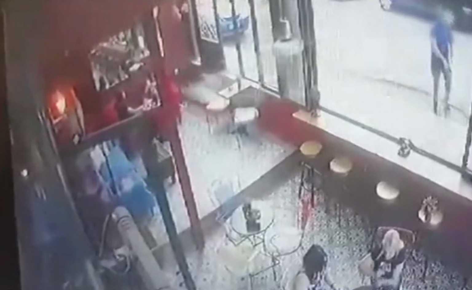 Περιστέρι: Βίντεο ντοκουμέντο – Η δολοφονία Κούρδου μέσα στην καφετέρια του Μάνου Παπαγιάννη