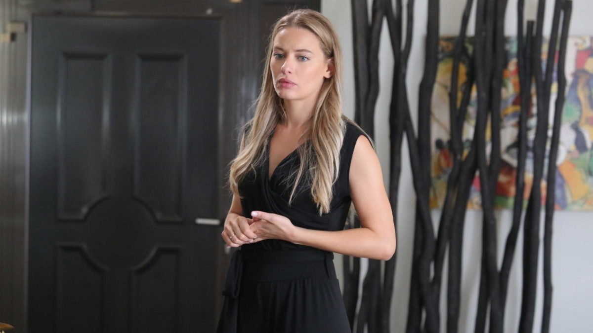 Τέλος τα μακριά μαλλιά για την Ντόρα Μακρυγιάννη – Η μεγάλη αλλαγή στο look της!   tlife.gr
