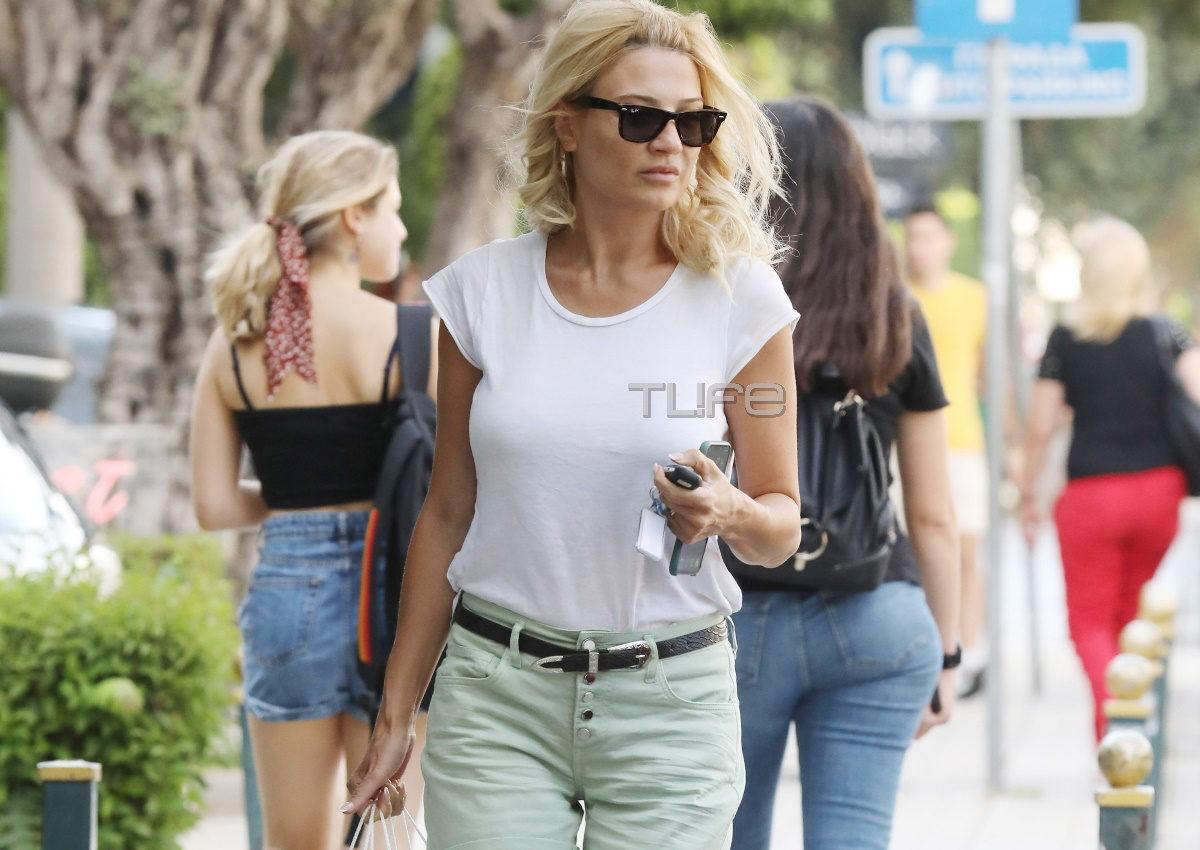 Φαίη Σκορδά: Πρωινή βόλτα για αγορές στη Γλυφάδα, λίγο πριν φύγει για διακοπές! [pics] | tlife.gr