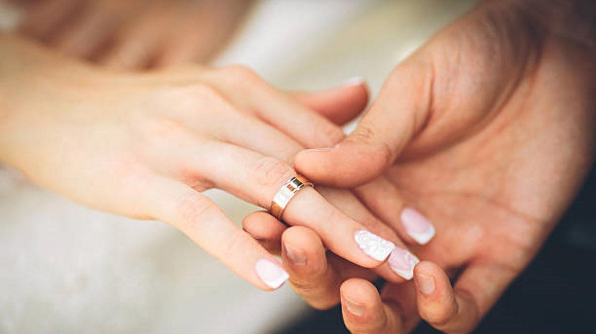 Νέος γάμος στην εγχώρια showbiz! Γνωστό μοντέλο παντρεύεται [pic]