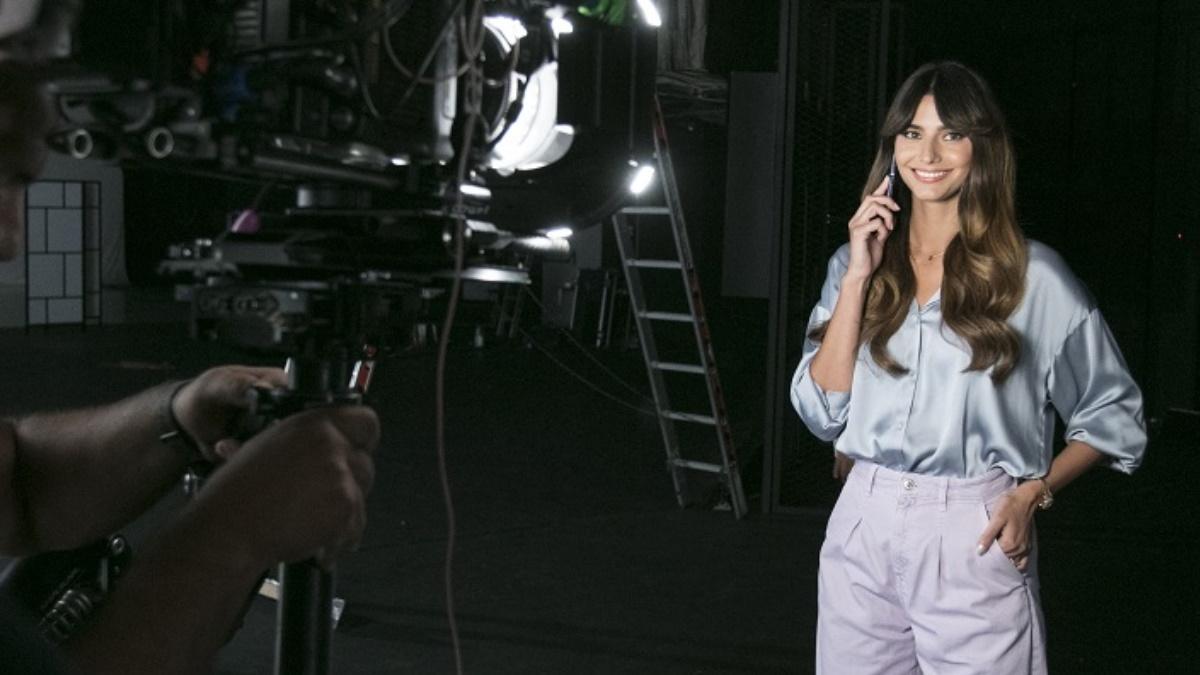 Ηλιάνα Παπαγεωργίου: Backstage φωτογραφίες από το τρέιλερ της εκπομπής που θα παρουσιάσει στον Alpha!