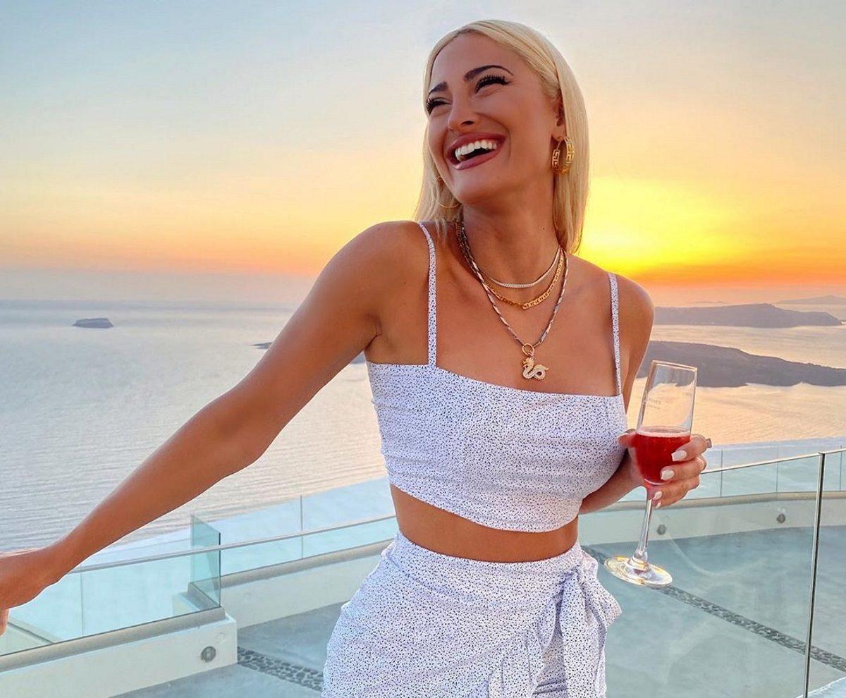 Ιωάννα Τούνη: Επέστρεψε από τις διακοπές της και πήγε για ολικό ρεκτιφιέ! [pics] | tlife.gr