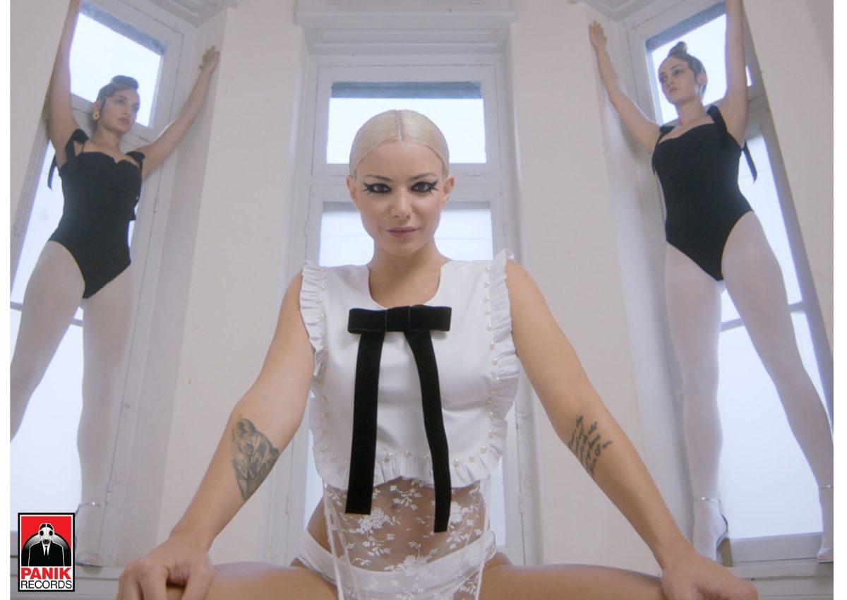 Josephine: Πάνω από 1 εκατομμύριο YouTube views το «ΕΓΩ» σε λίγες μόνο ημέρες! | tlife.gr