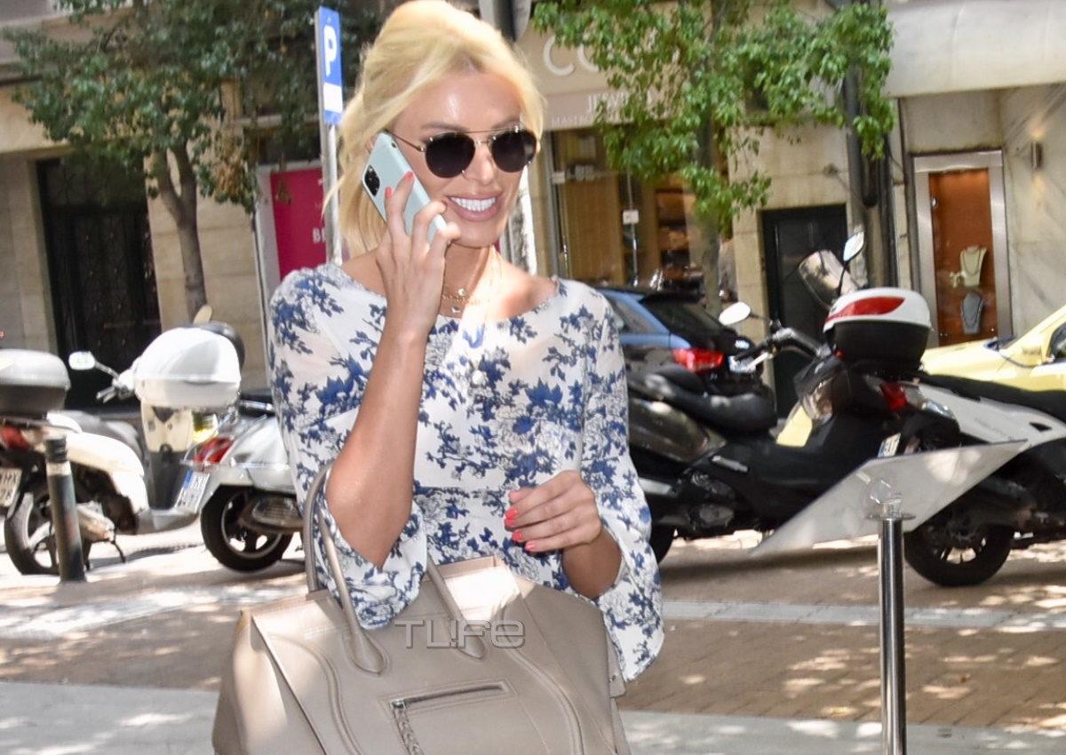Κατερίνα Καινούργιου: Η casual & stylish εμφάνιση της παρουσιάστριας στο Κολωνάκι! [pics] | tlife.gr