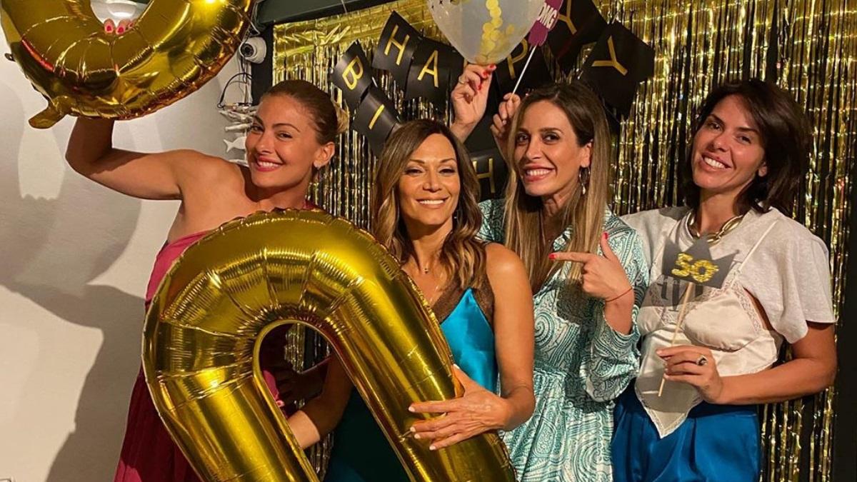 Έλλη Κοκκίνου: Έκλεισε τα 50 χρόνια και γιόρτασε με ένα μεγάλο πάρτυ! [pics,video]