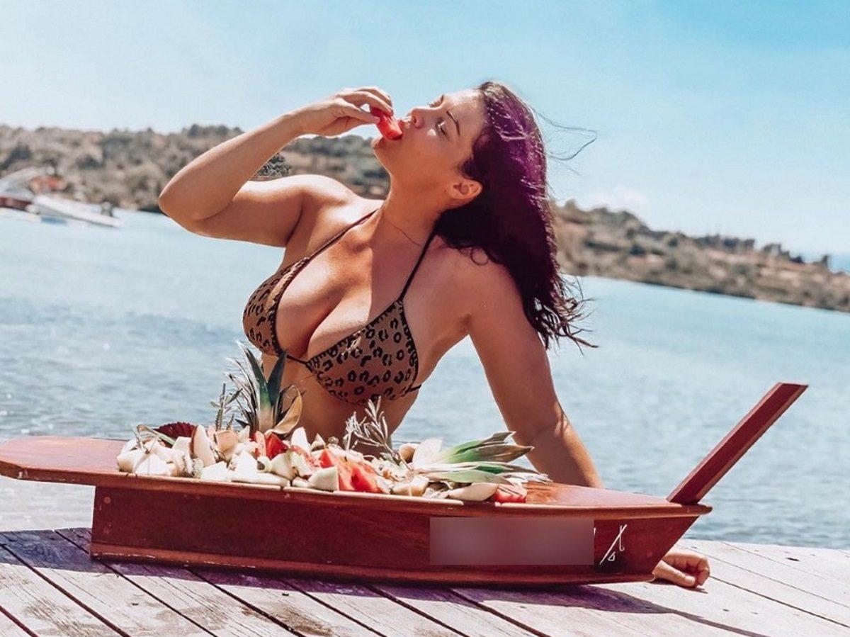 Μαρία Κορινθίου: Μαγεμένη από τις ομορφιές των ελληνικών νησιών! Απόδραση στις Σπέτσες [pics,vid] | tlife.gr