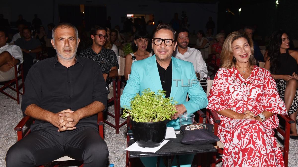 Γιώργος Μαζωνάκης: Μουσική βραδιά με φίλους και τιμητική διάκριση για τον Έλληνα ερμηνευτή! [pics]