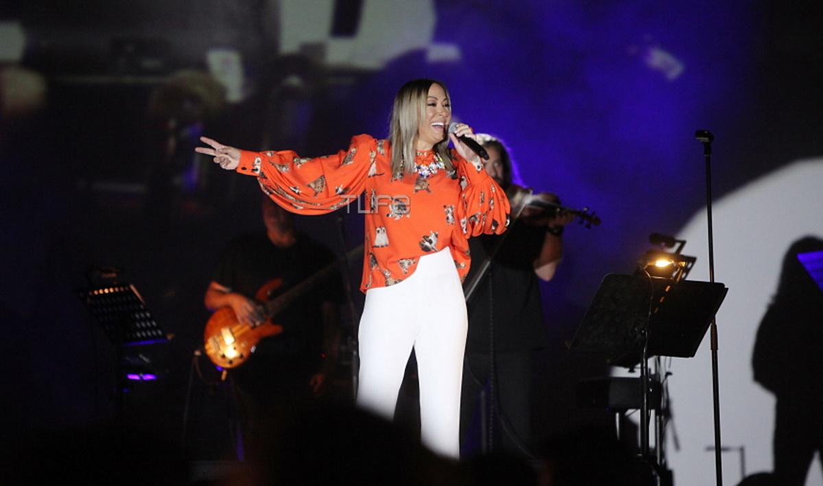 Μελίνα Ασλανίδου: Μάγεψε με την εμφάνισή της στο Drive In Festival στην Γλυφάδα! [pics,vid]
