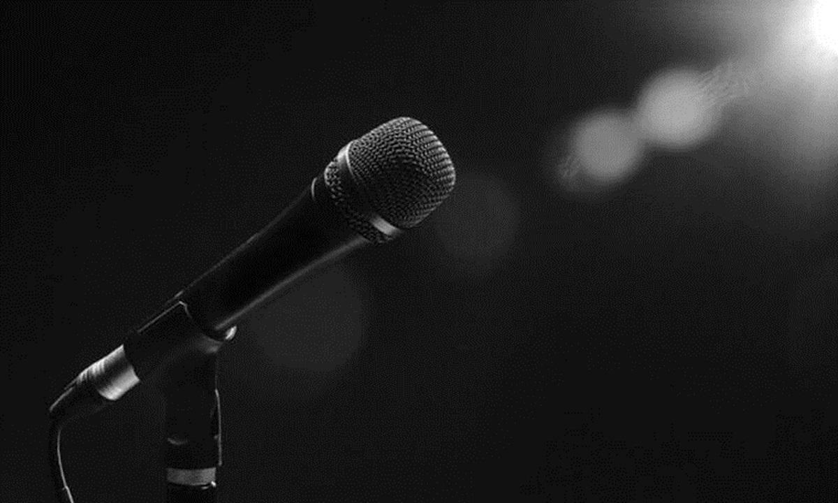 Μεγάλη θλίψη από το θάνατο γνωστού τραγουδιστή σε ηλικία 47 ετών