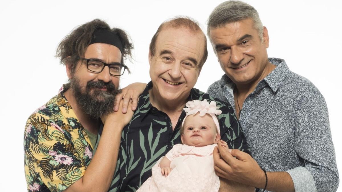 «Ένα μωρό για τρεις»: Η περιοδεία της παράστασης ξεκινά από το Κατράκειο στις 24/7!