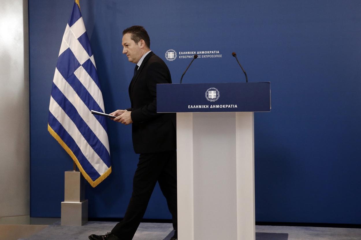 Πέτσας: Ο Μητσοτάκης ζήτησε από τους λοιμωξιολόγους να απαγορευθούν τα πανηγύρια μέχρι τέλος Ιουλίου